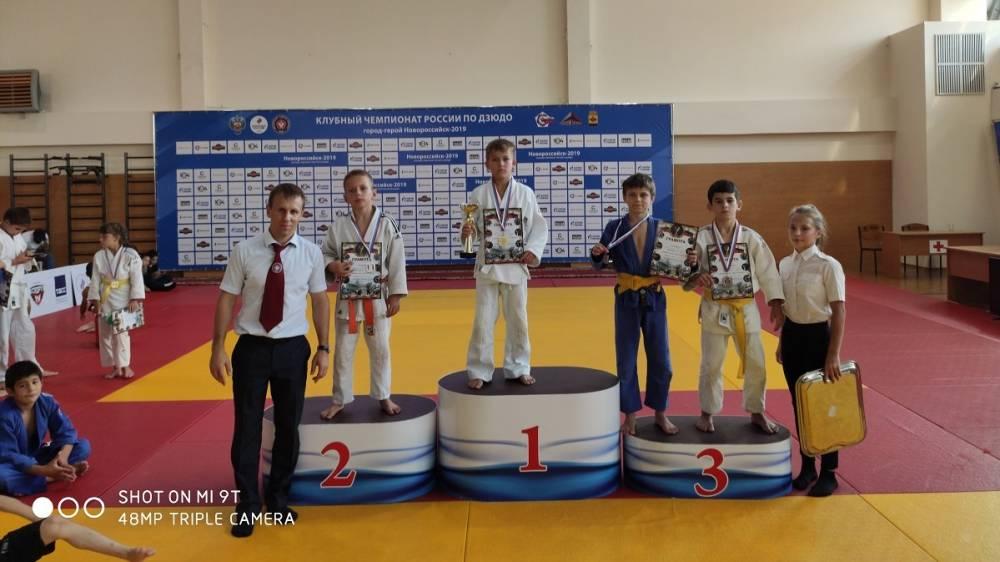 Юные спортсмены Ялтинской Федерации дзюдо пополнили спортивную копилку новыми медалями, завоёванными в упорной борьбе