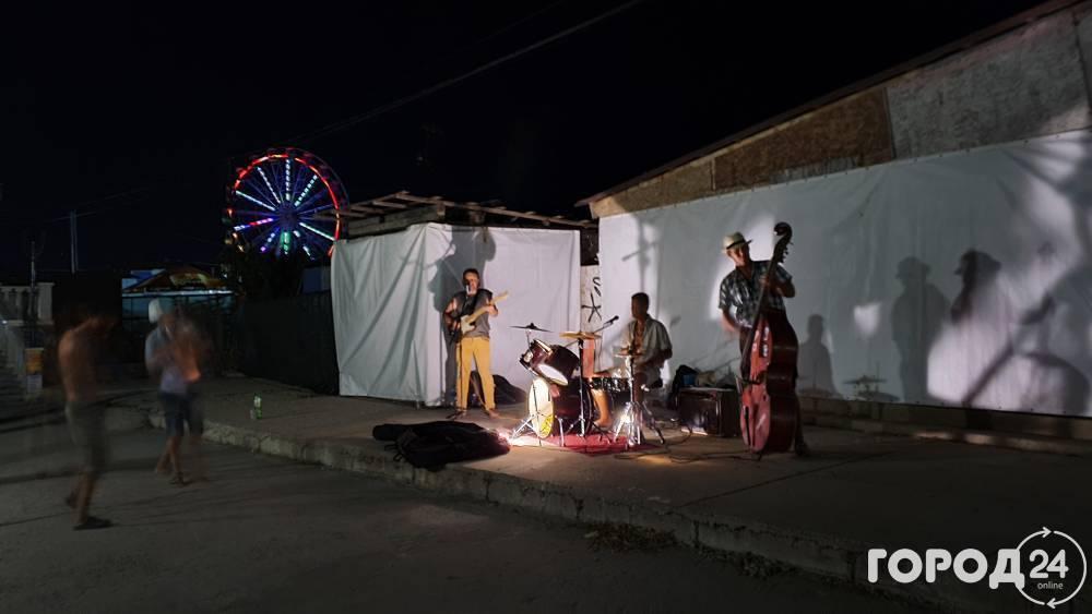 Августовский вечер в Коктебеле