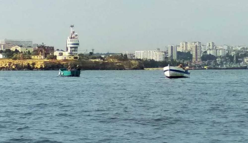 У Севастополя маломерное судно без капитана пошло на таран