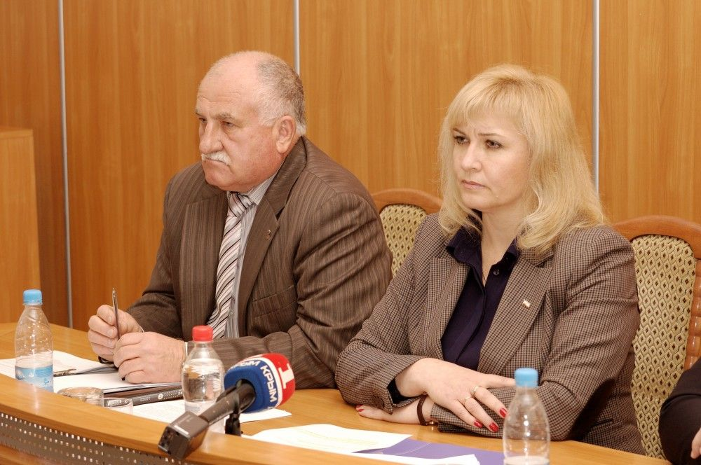 Депутаты решили премировать своего председателя Светлану Гевчук