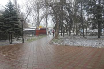 В Феодосии срывается снег