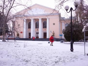В Феодосии идет снег. Фоторепортаж из центра города