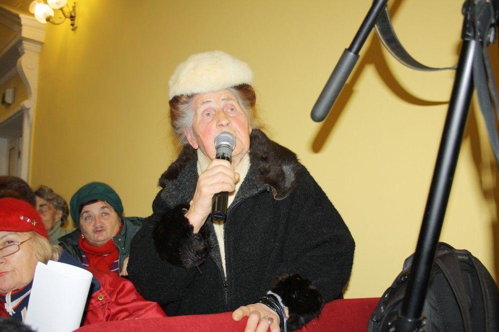 Глава администрации Феодосии Станислав Крысин провел встречу с горожанами.