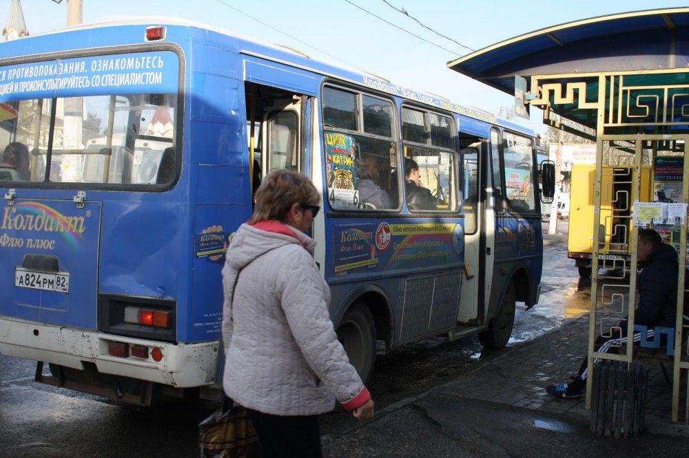 В Феодосии водителям рекомендуют привести маршрутки в порядок