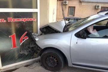 В сети обсуждают необычную аварию в Севастополе