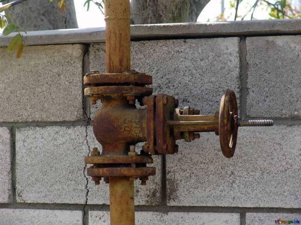 В Севастополе неизвестные перекрыли газ в домах горожан