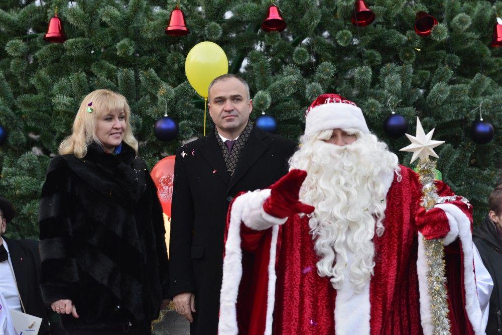 Чиновникам Феодосии разрешили сводить детей на елку