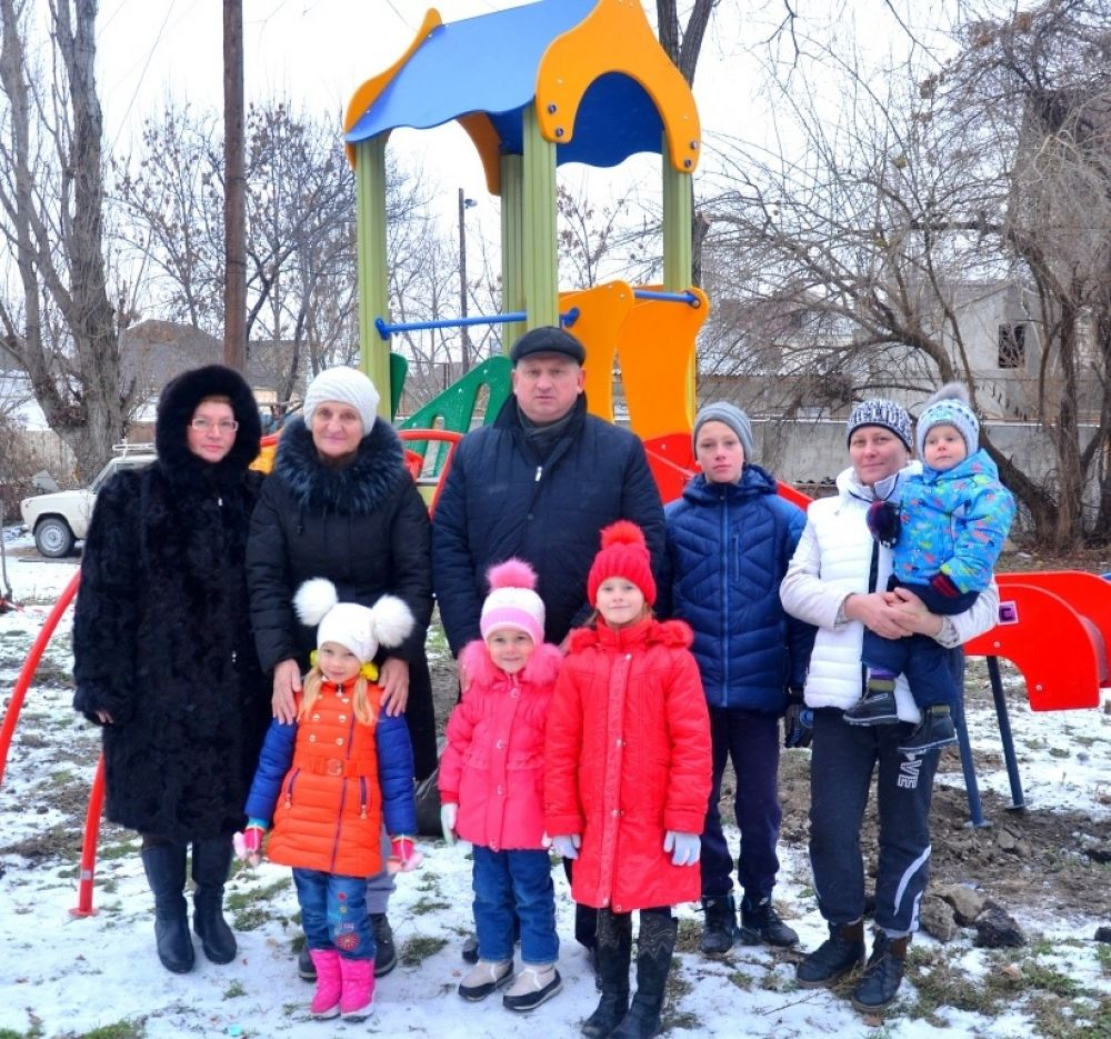 За неделю в Феодосии установят 7 детских площадок