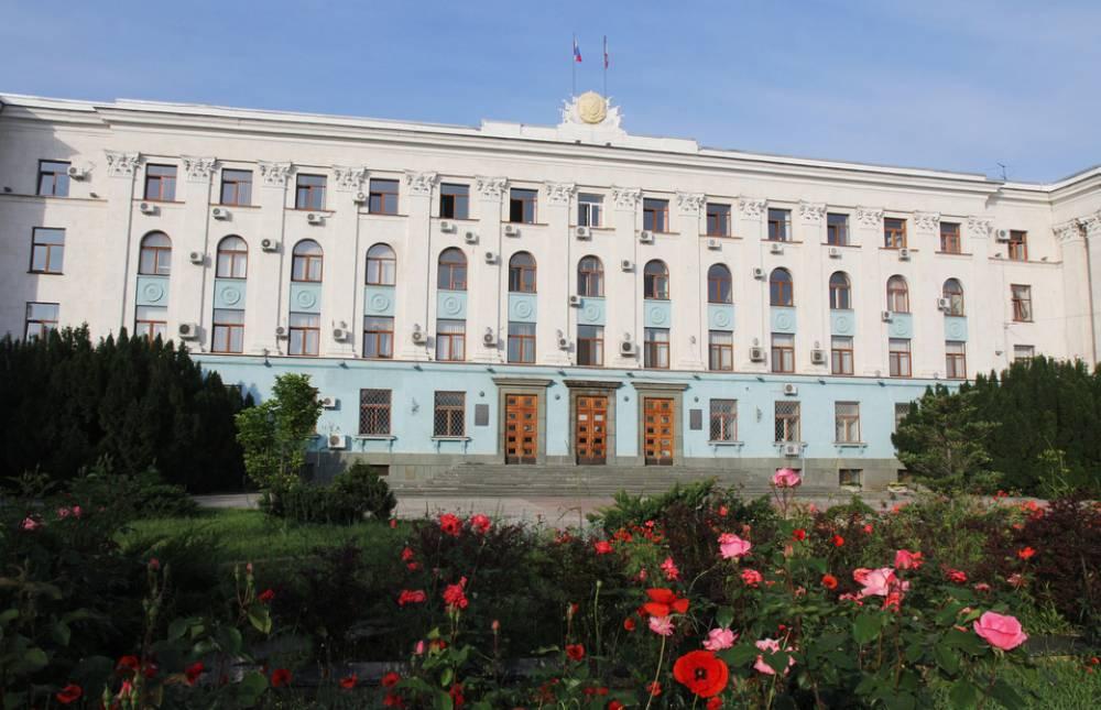 Аксенов наделил своего зама полномочиями председателя Совмина