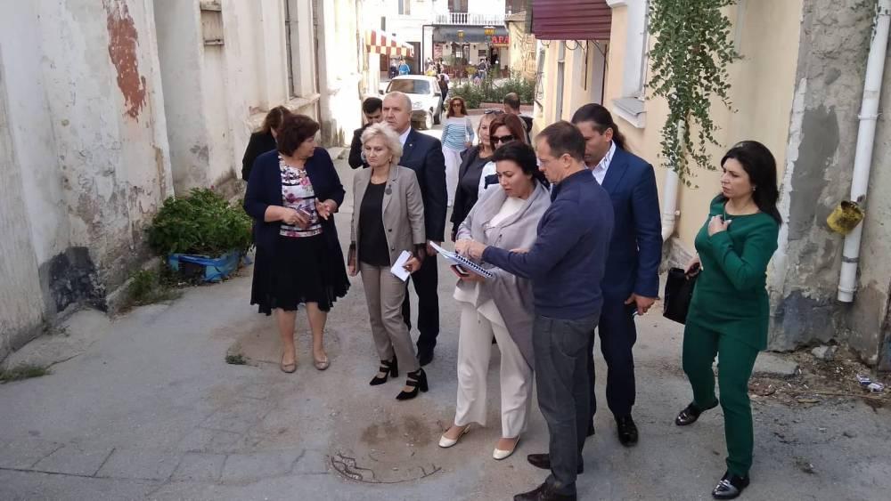 Владимир Мединский в Феодосии осмотрел территорию будущего музейного квартала