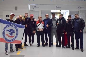 Чемпион мира по боксу Глеб Бакши вернулся в Симферополь и сегодня встретится с болельщиками