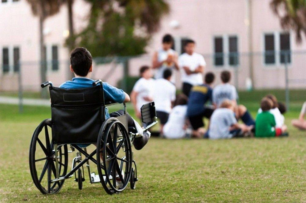 Феодосийских детей-инвалидов через суд обеспечат техсредствами реабилитации