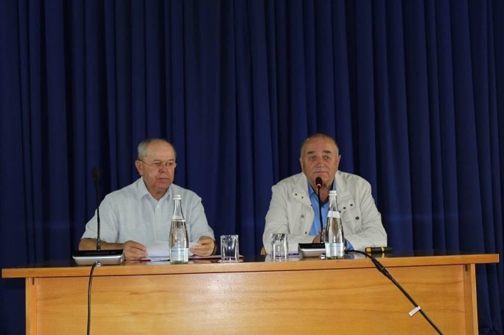 Сергей Махонин избран главой муниципального образования Белогорский район, председателем районного совета