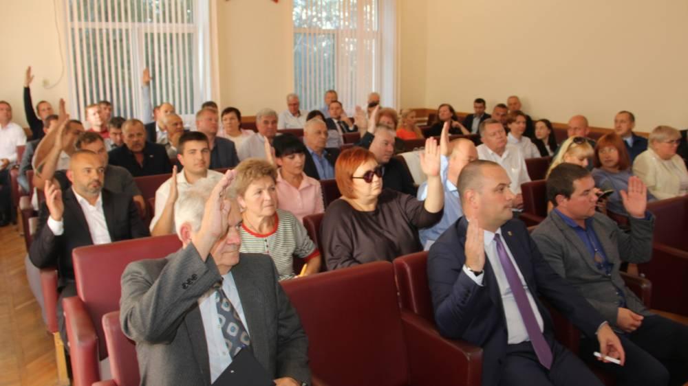 Депутаты Феодосии избрали заместителя председателя горсовета и утвердили состав депутатских комиссий