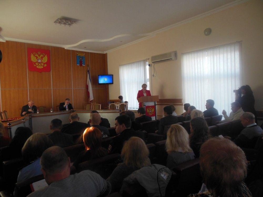 Депутаты Феодосии не сошлись в оценках деятельности своего председателя