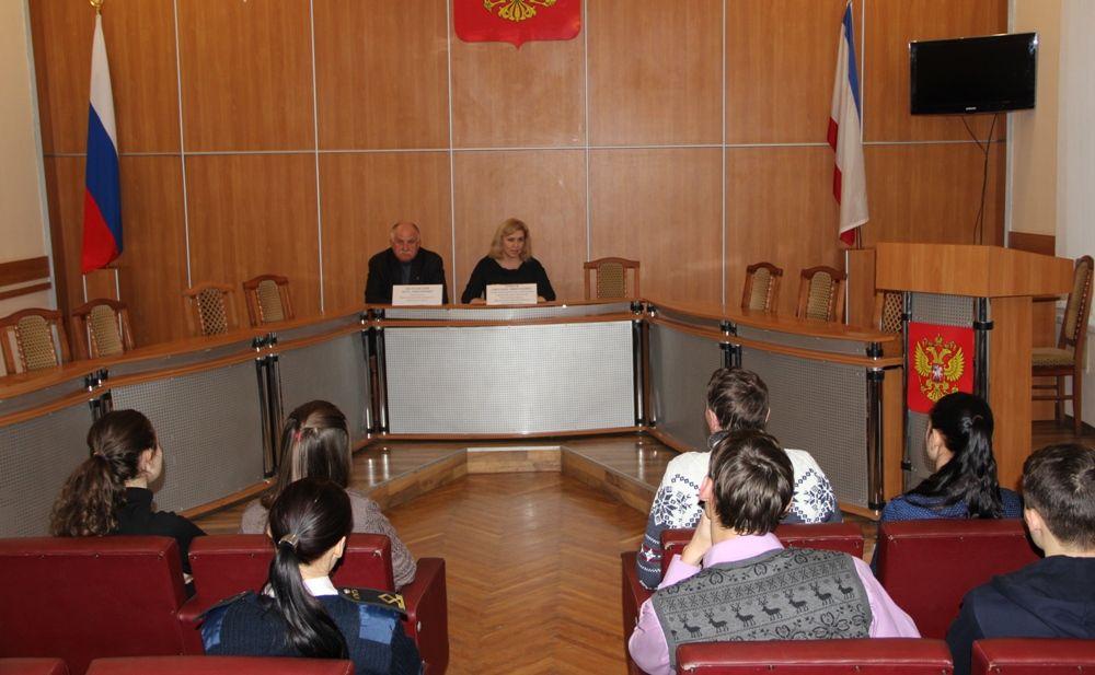 В Феодосии начал работать молодежный общественный совет