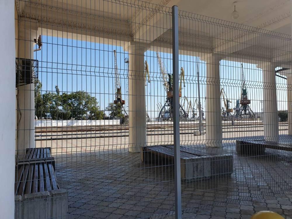Забор — не преграда, а повод задуматься