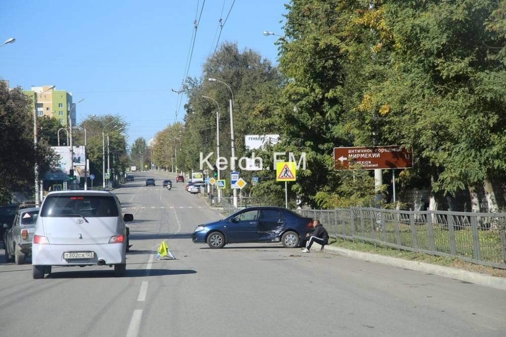 На Войкова столкнулись «Toyota» и «ВАЗ»