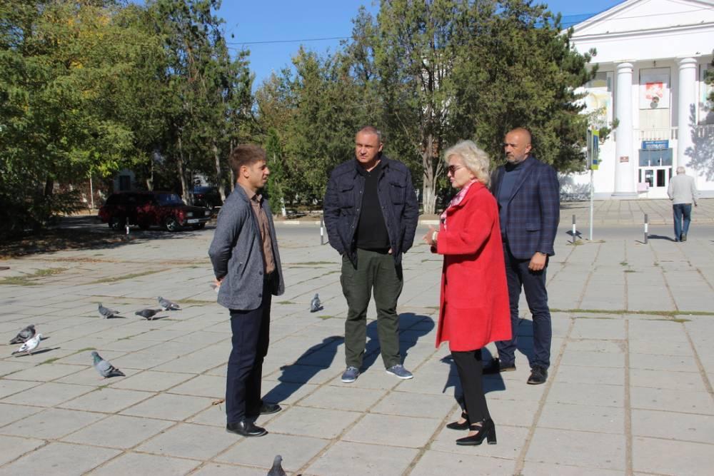 В Приморском приступили к ремонту верхней набережной