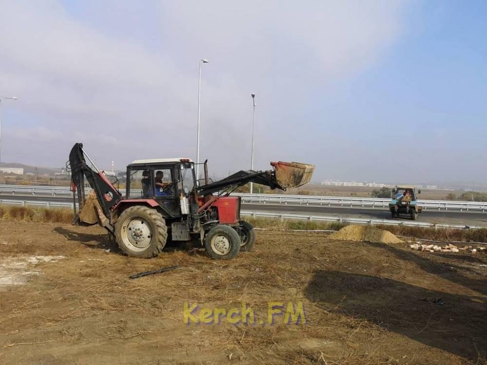 На автоподходах к Крымскому мосту установили еще одну трансформаторную подстанцию
