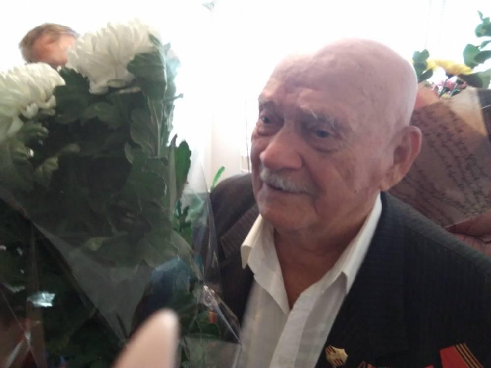 Керчанин Василий Перконос отметил 95-летие
