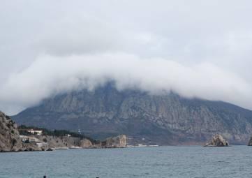 В субботу в Крыму до 24 градусов тепла, туман