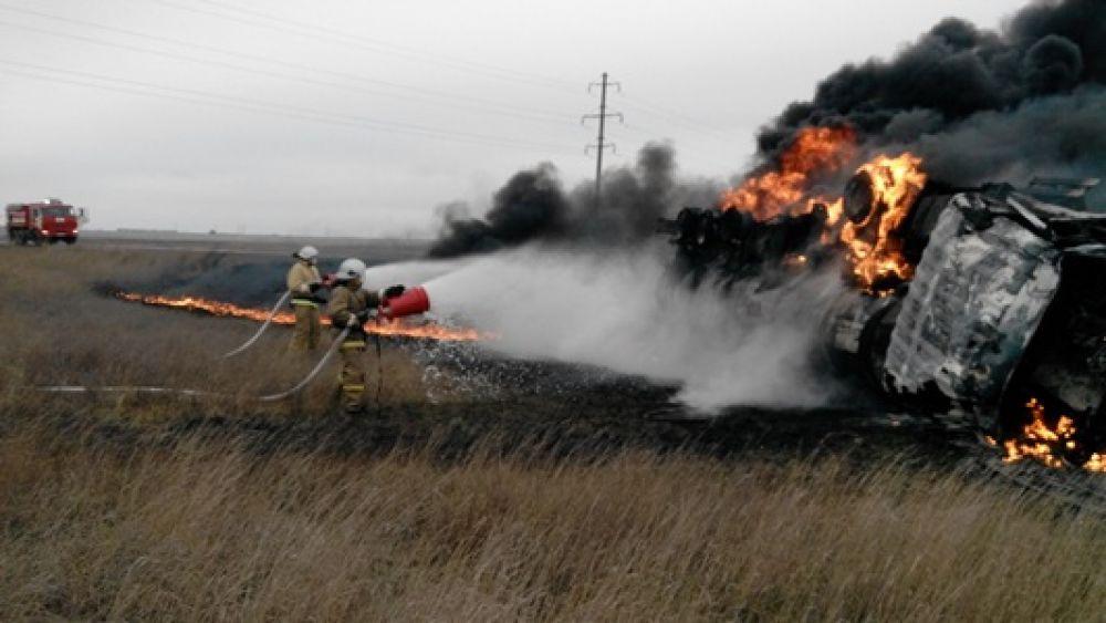 На феодосийской трассе сгорел бензовоз (ФОТО)