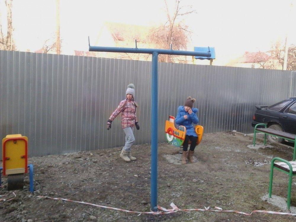 В Феодосии очередной скандал: во дворе многоэтажки на Федько хотят построить частный дом (ФОТО, ВИДЕО)