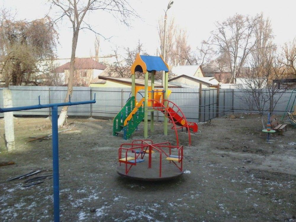 Поклонская заинтересовалась замурованной детской площадкой в Феодосии
