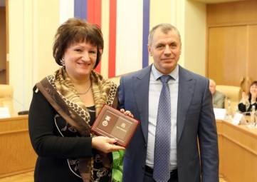 Директору феодосийского музея Грина присвоили почетное звание