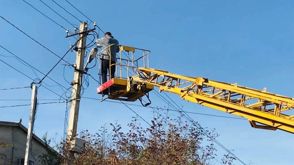 В пгт.Коктебель проводятся работы по восстановлению уличного освещения