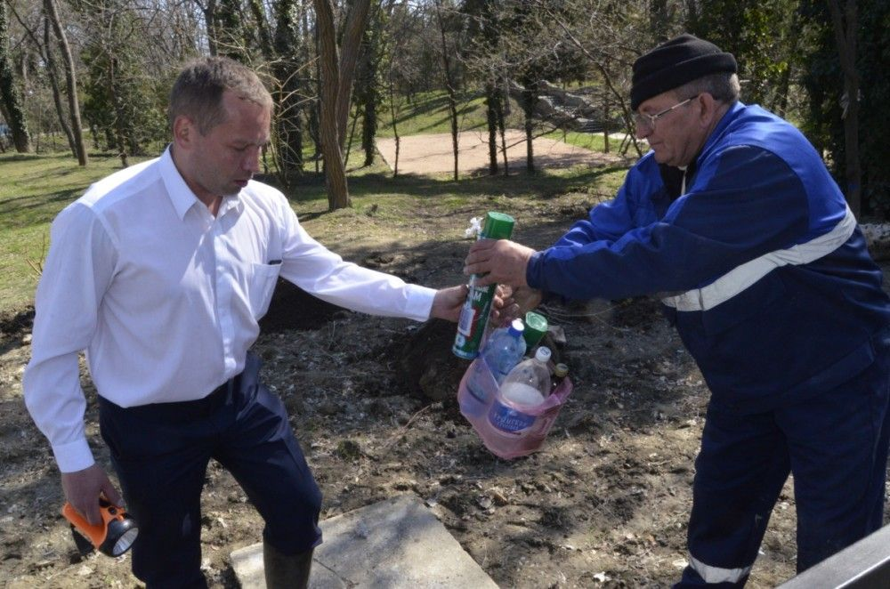В Коктебеле продолжается борьба с незаконными врезками в «ливневку» (ФОТО)