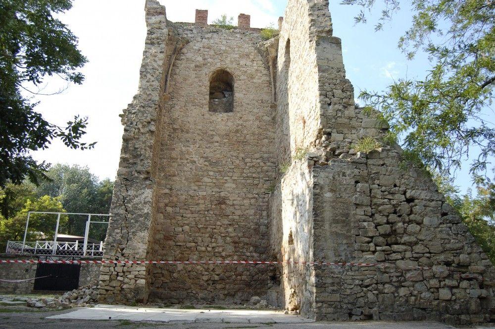 Ремонт феодосийской башни Константина начнется в лучшем случае в мае