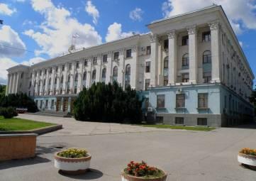Власти Крыма сделали заявление по поводу карьера под Судаком и в старинном здании в центре Симферополя нашли артефакты, замурованные в колонны