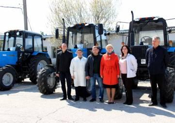 Три новых трактора пополнили парк техники завода «Коктебель»