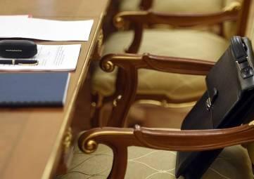 Аксенов отправил в отставку Министра юстиции Крыма и Путин анонсировал новые ежемесячные выплаты на ребенка до семи лет