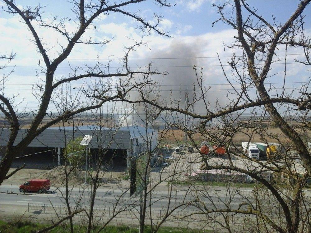 За Керченским шоссе в Феодосии снова пожар