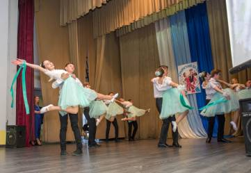 В Феодосии танцевали «Крымский вальс»