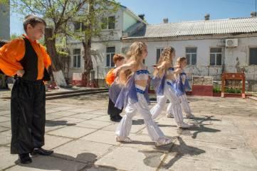 В Феодосии сражались рыцари и танцевали дети и взрослые
