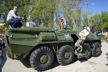 Выставка военной техники на набережной Десантников