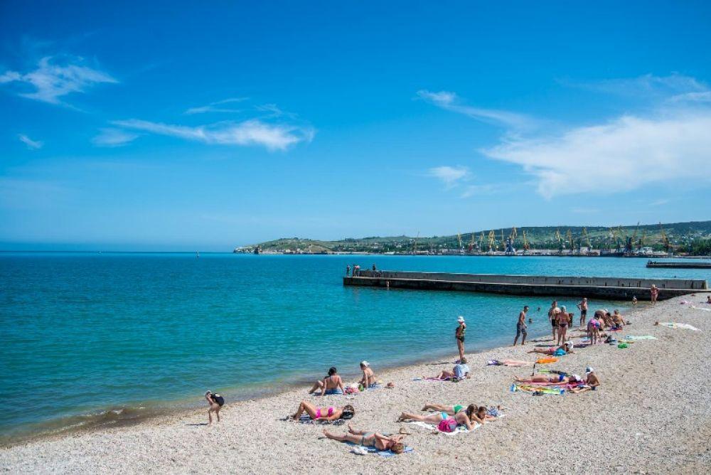 Феодосийский пляж «Камешки» отдали под благоустройство неместному ООО «Ягуар»