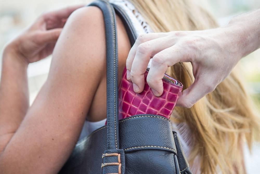 Полиция Феодосии напоминает, как не стать жертвой карманников