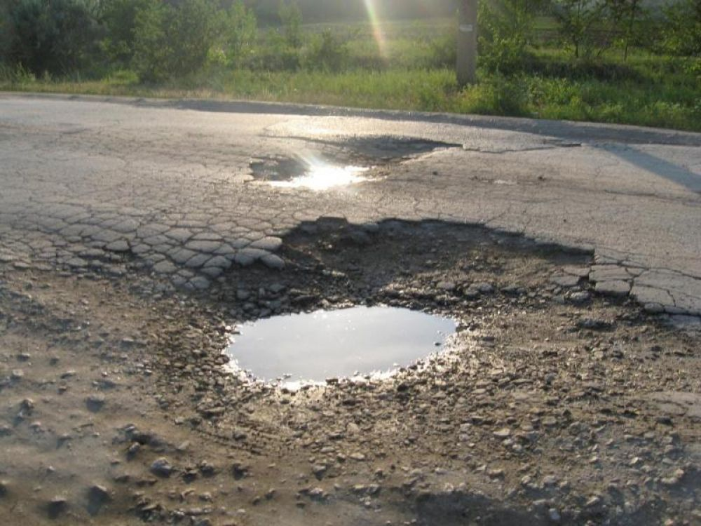 Ни денег, ни проекта, ни дороги: власти Феодосии намерены судиться с проектировщиками из-за дороги в Ближних Камышах