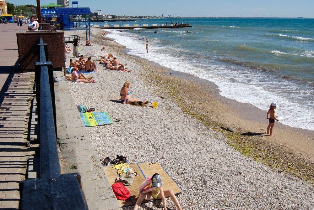 Власти Феодосии призвали жителей и гостей города указывать на плохие пляжи