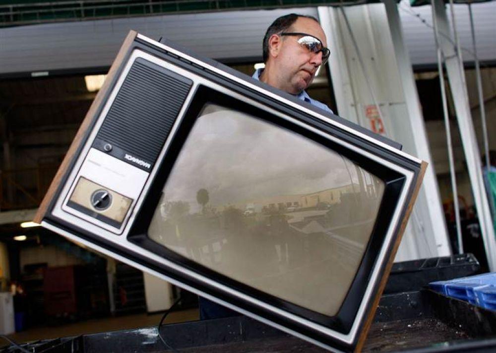 Житель Ленинского района украл у матери телевизор