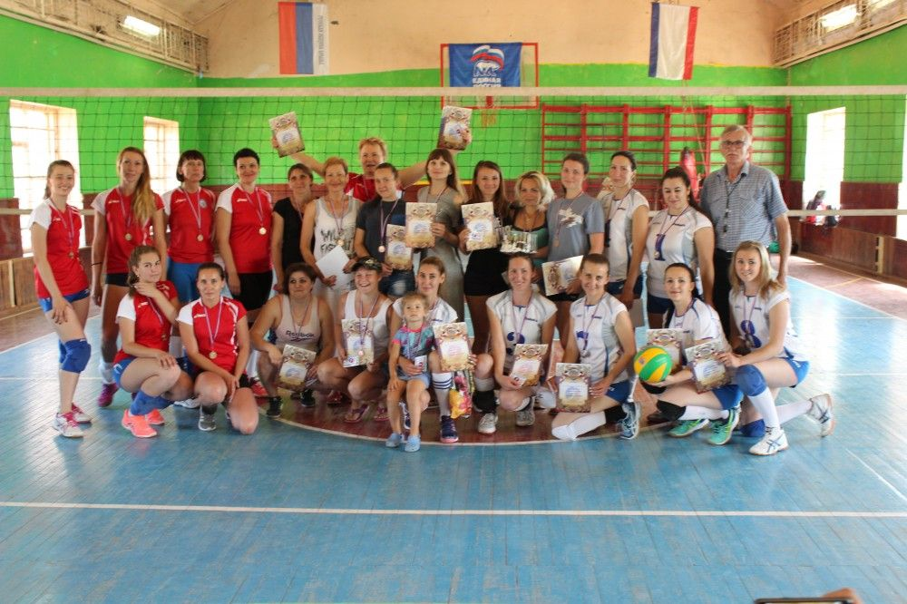В Приморском прошел чемпионат по волейболу