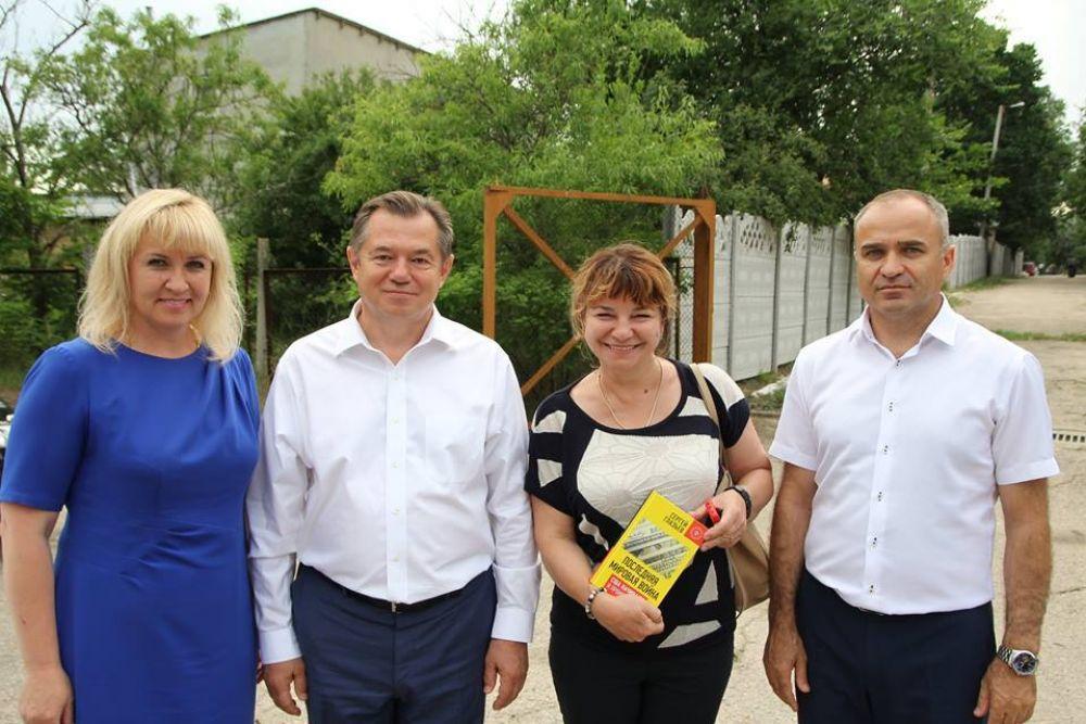 Советник Путина Глазьев приезжал в Феодосию разбираться в проблеме нехватки мест в детсадах