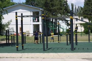 Открытие спортплощадки в Феодосии