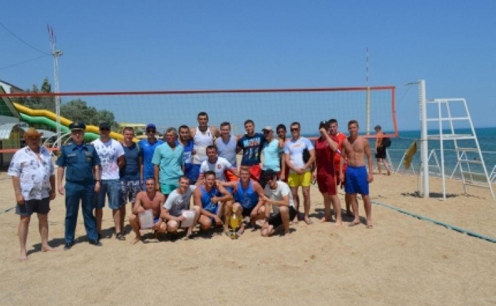 В Феодосии впервые прошли соревнования по пляжному волейболу среди подразделений МЧС