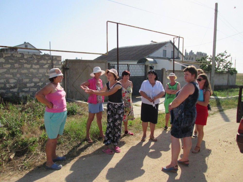 Владельцам особняков феодосийского Берегового пригрозили «жесткими мерами» за слив нечистот куда попало